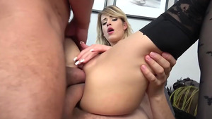 Slender young model Ria Sunn dual anal pounding from hugely hung studs!