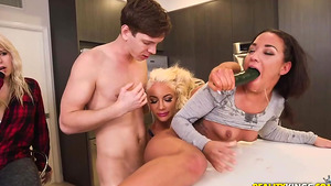 Nicolette Shea fucks with her assistants, Amara Romani and Markus in tube adult movies!