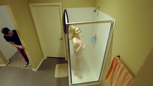 Petite teen Jasmine Riley and her stepbrother fucks after shower!